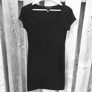 H&M black t-shirt dress - size S